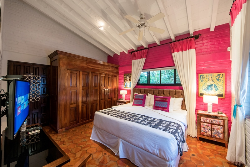 Suite 29 and parota closet