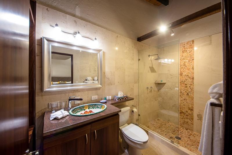 Suite 39 bathroom